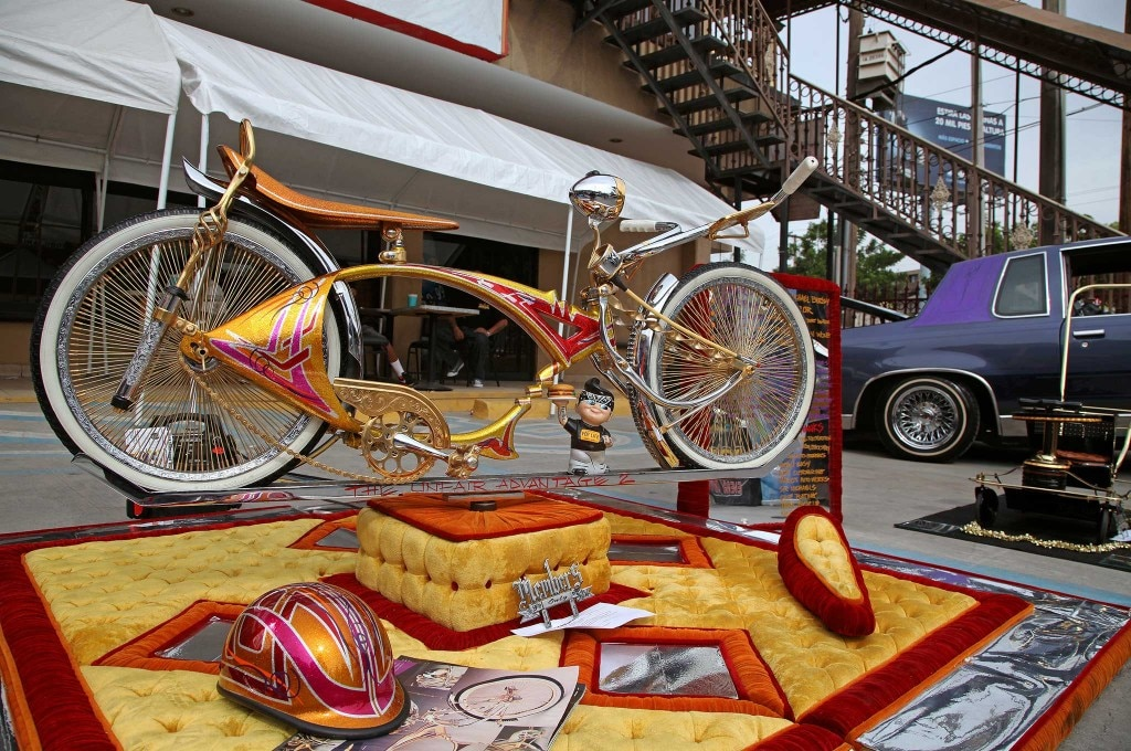 2015 de la raza car show members bike