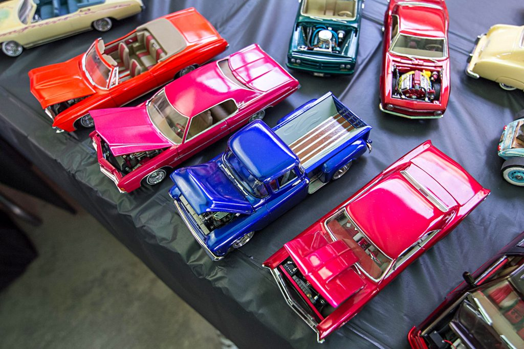 down 2 scale car club model cars