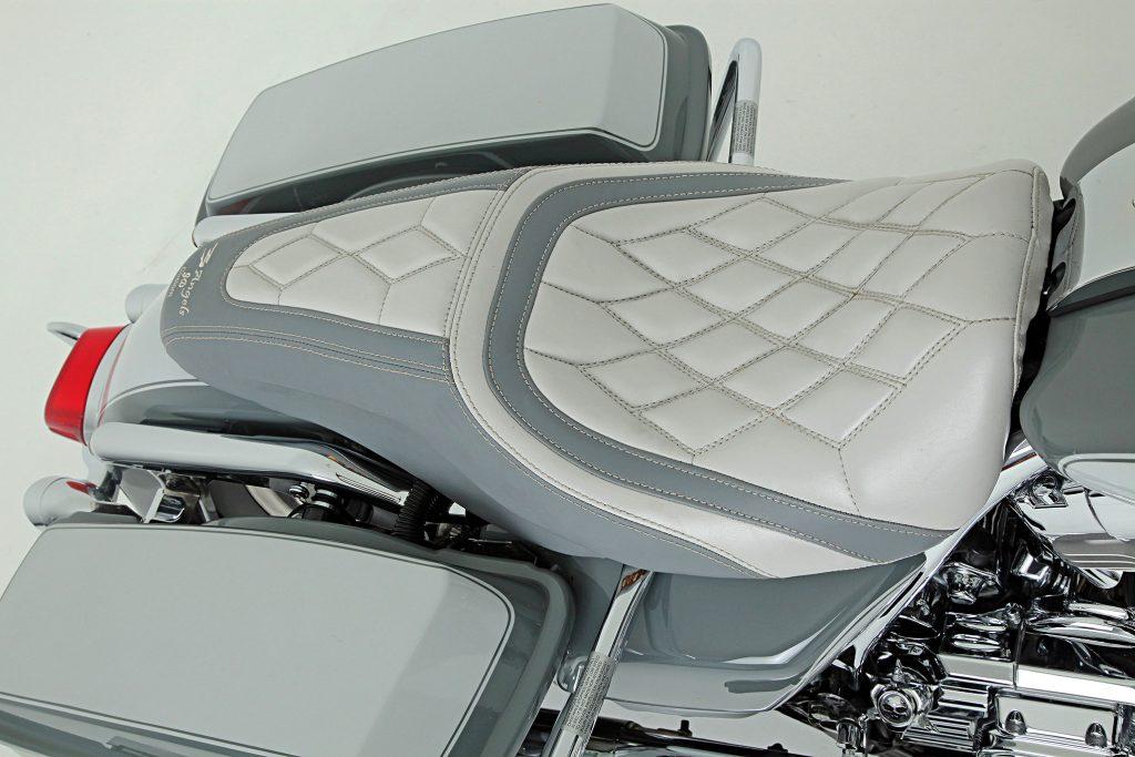 2005 harley davidson electra glide leather seat
