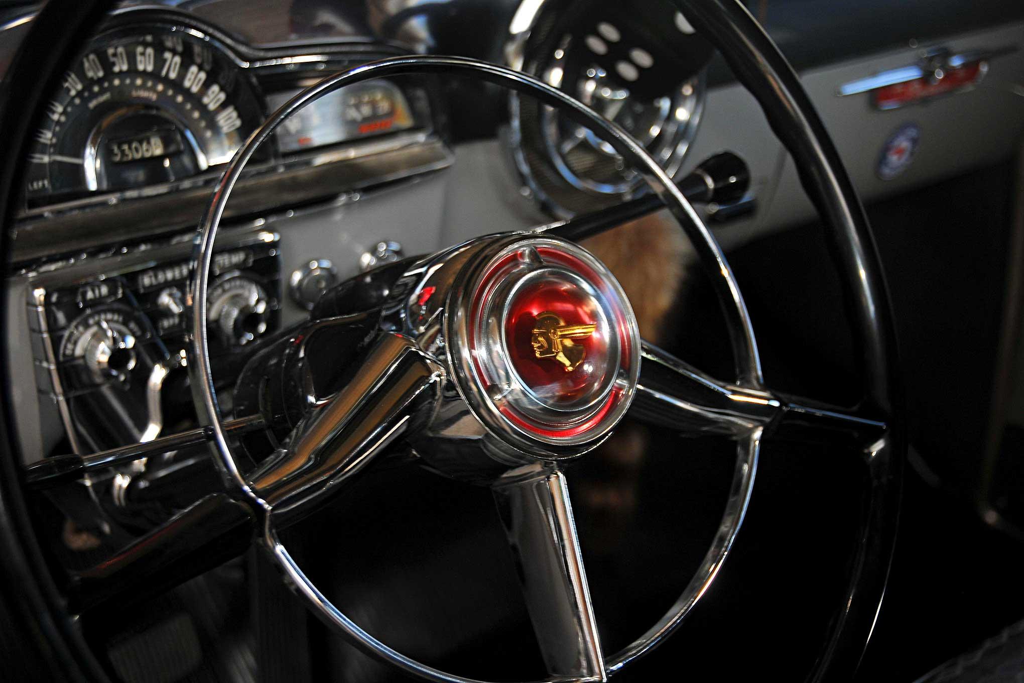Pontiac Chieftain Steering Wheel on Pontiac Straight 8 Engine Parts