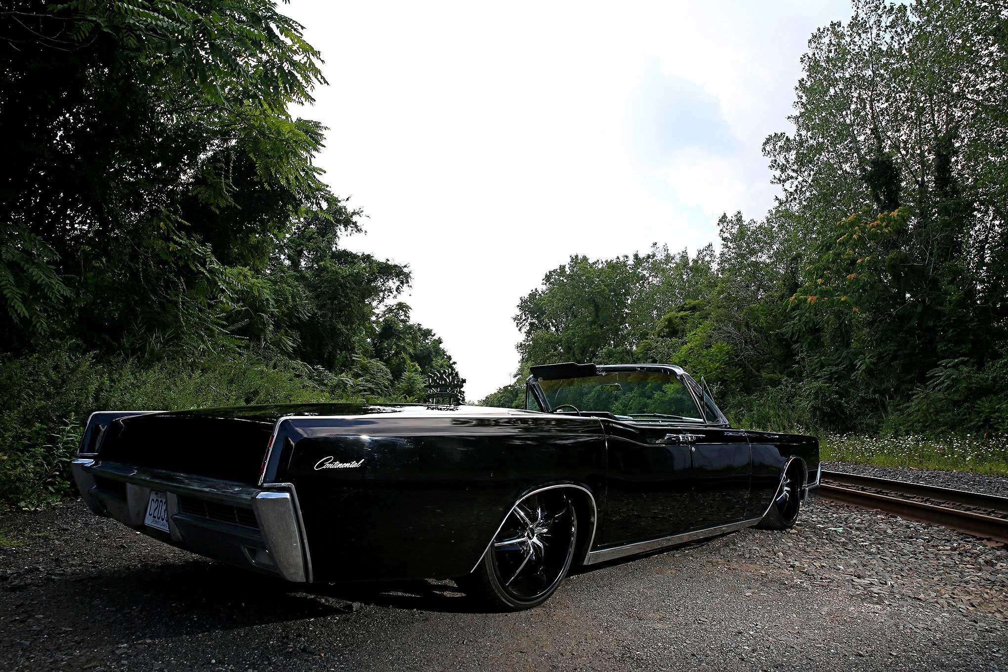 1966 Lincoln Continental - Yin & Yang