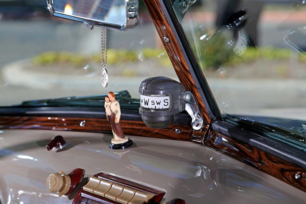 1952 chevrolet 3100 dashboard compass