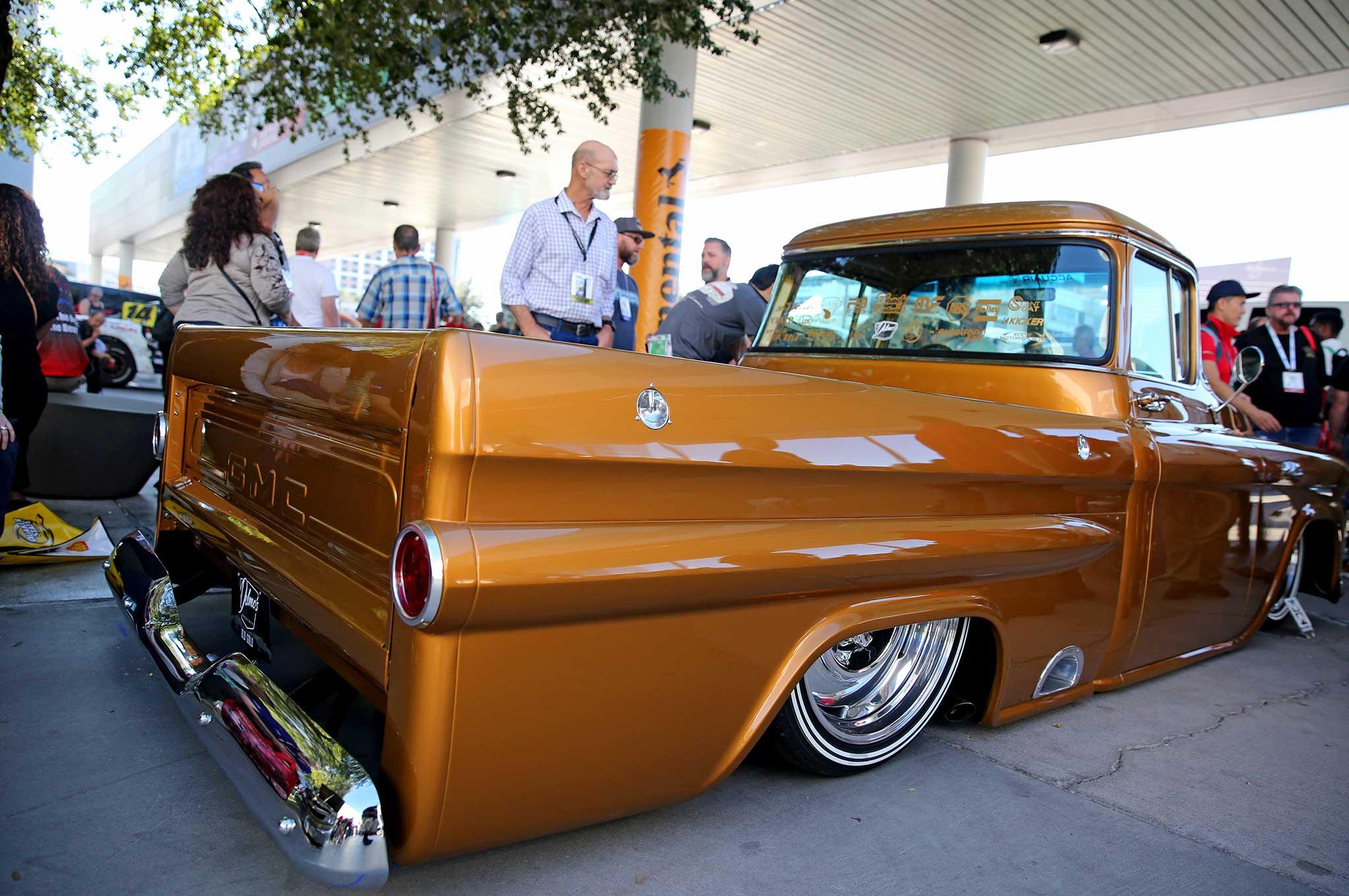 Delmo's Speed Shop Built 1959 GMC Apache at SEMA 2016 # ...