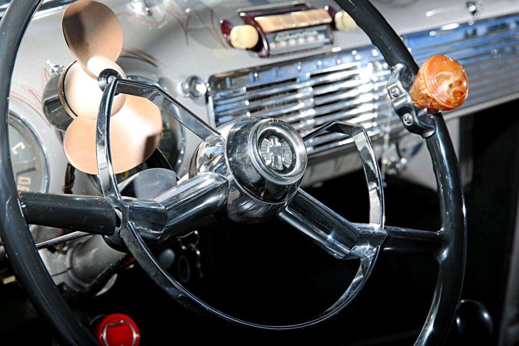 1953 chevrolet 3100 steering wheel horn