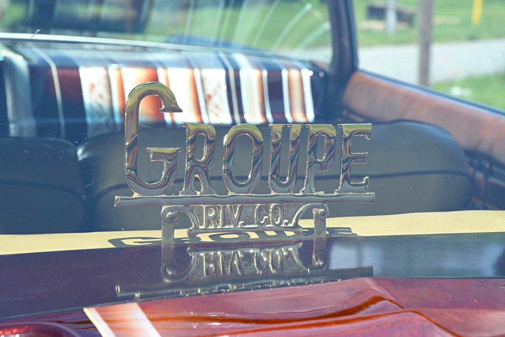 1975 chevrolet impala glasshouse groupe riverside club plaque