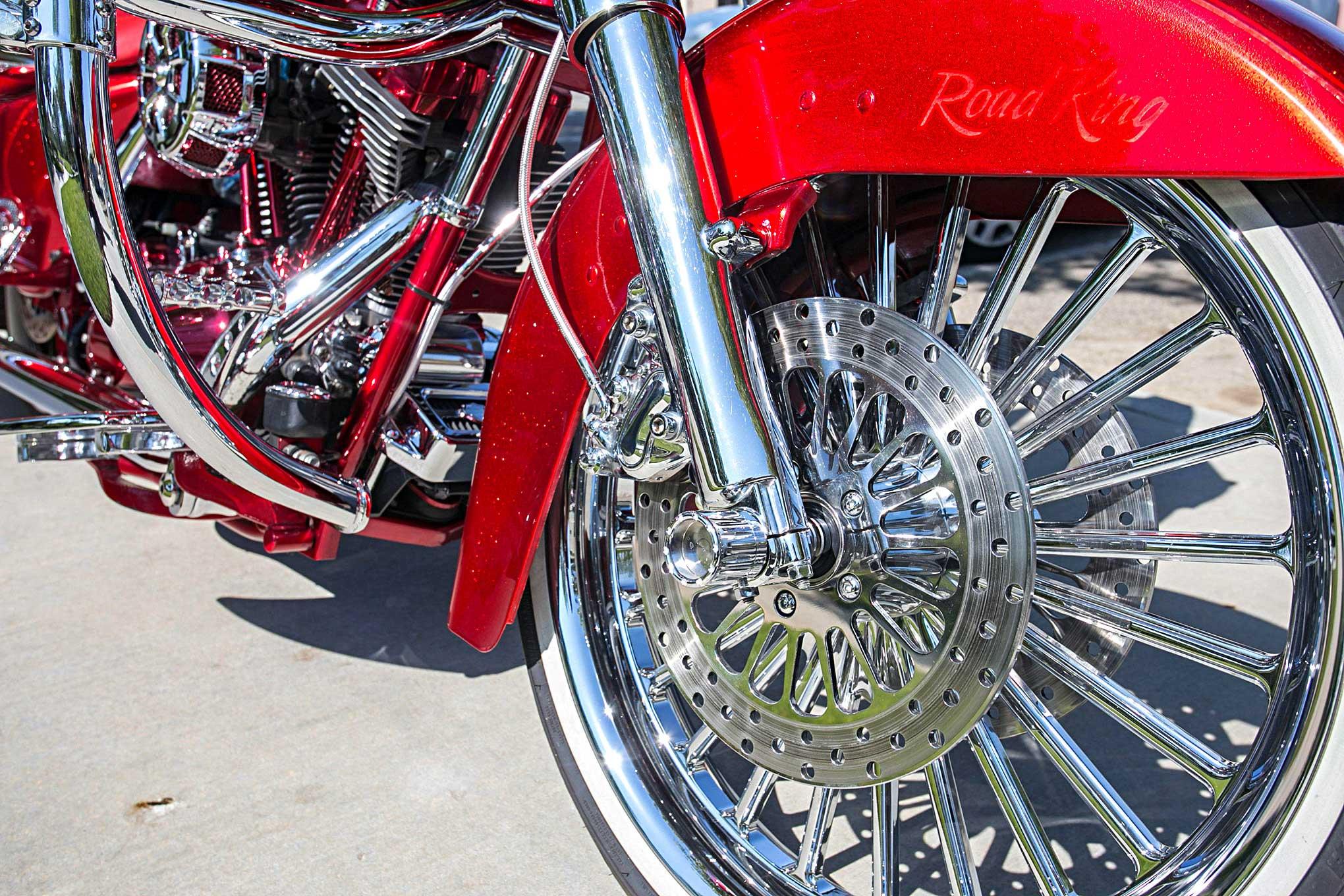 Avon Motorcycle Tires >> Serafin Romero's 2005 Harley-Davidson Road King
