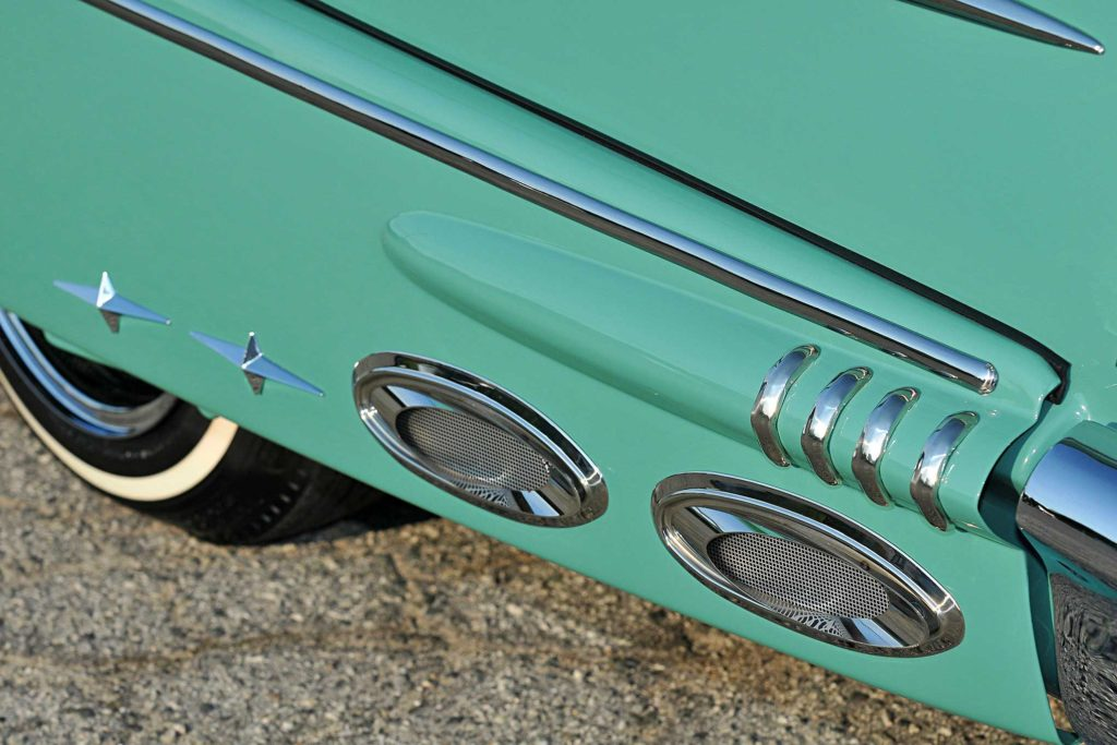 1958 chevrolet impala cruiser skirt