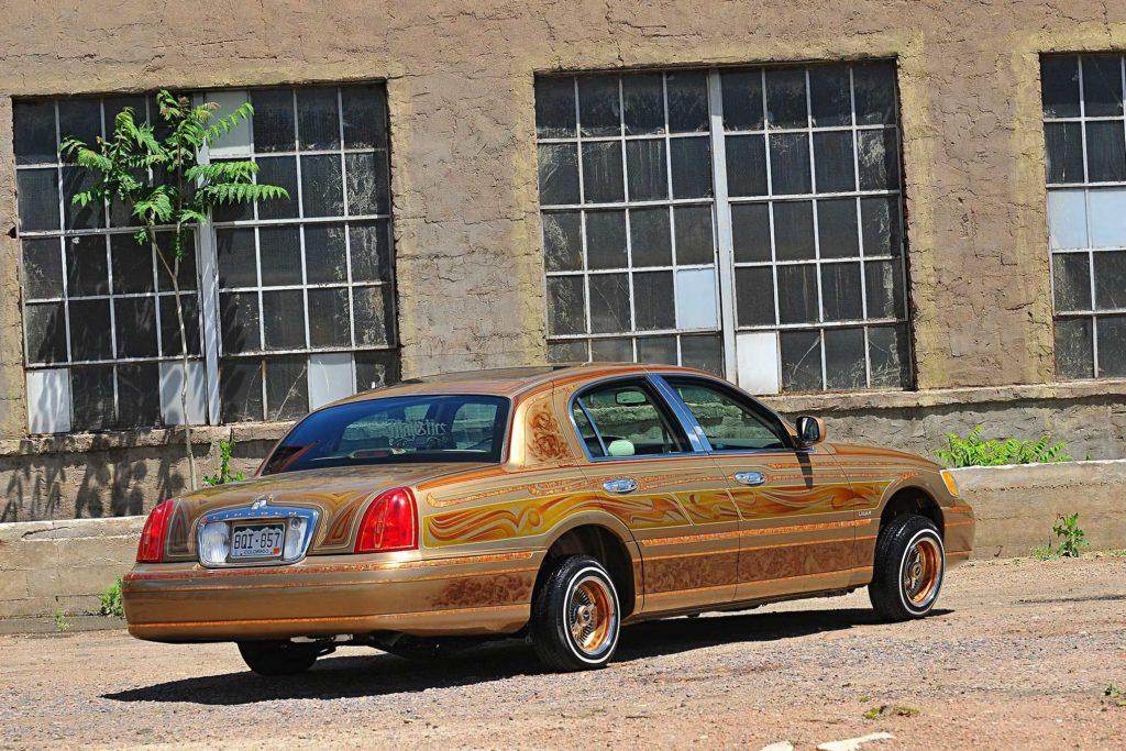 1998 lincoln towncar back passenger side rear view