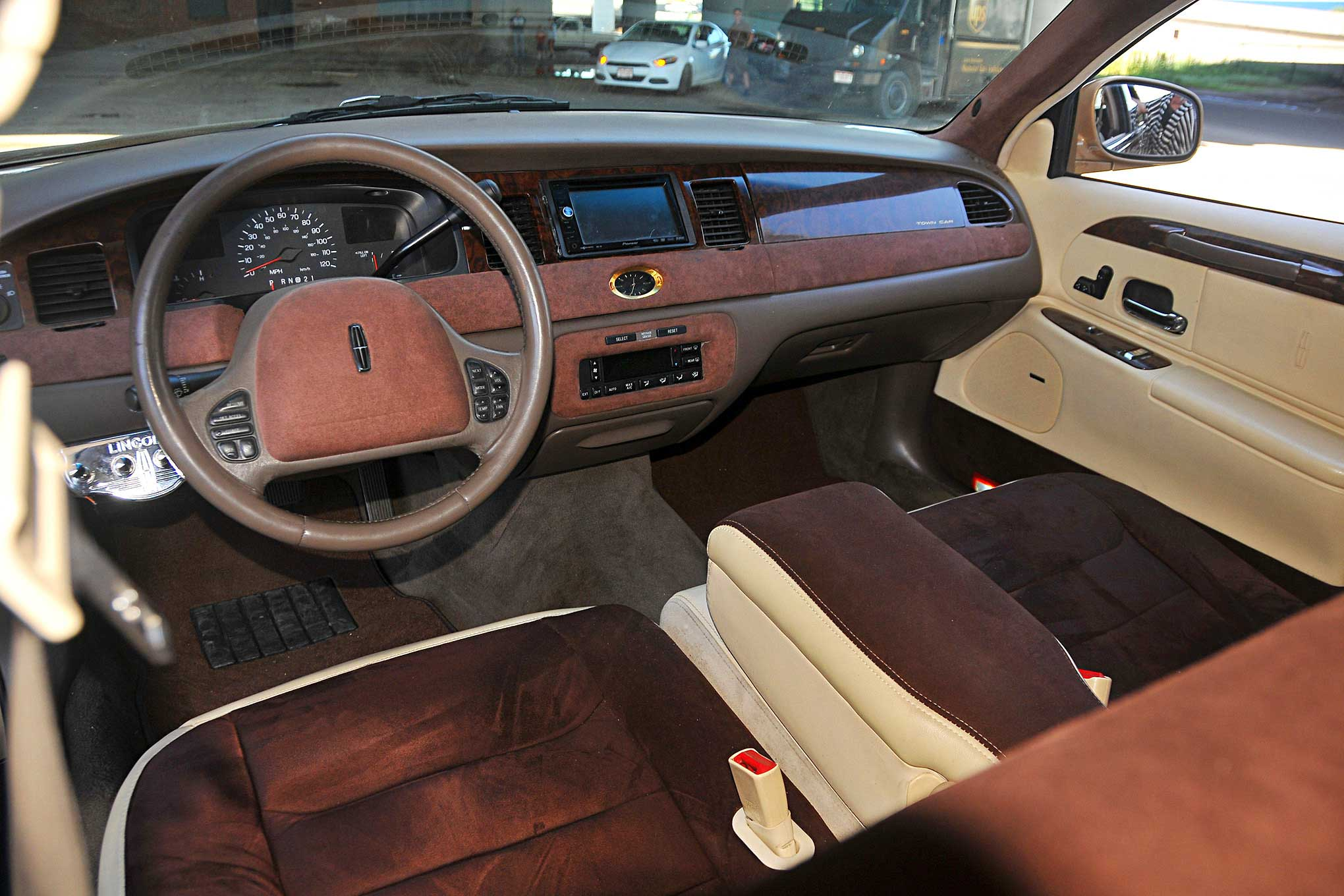 1998 Lincoln Towncar Dash