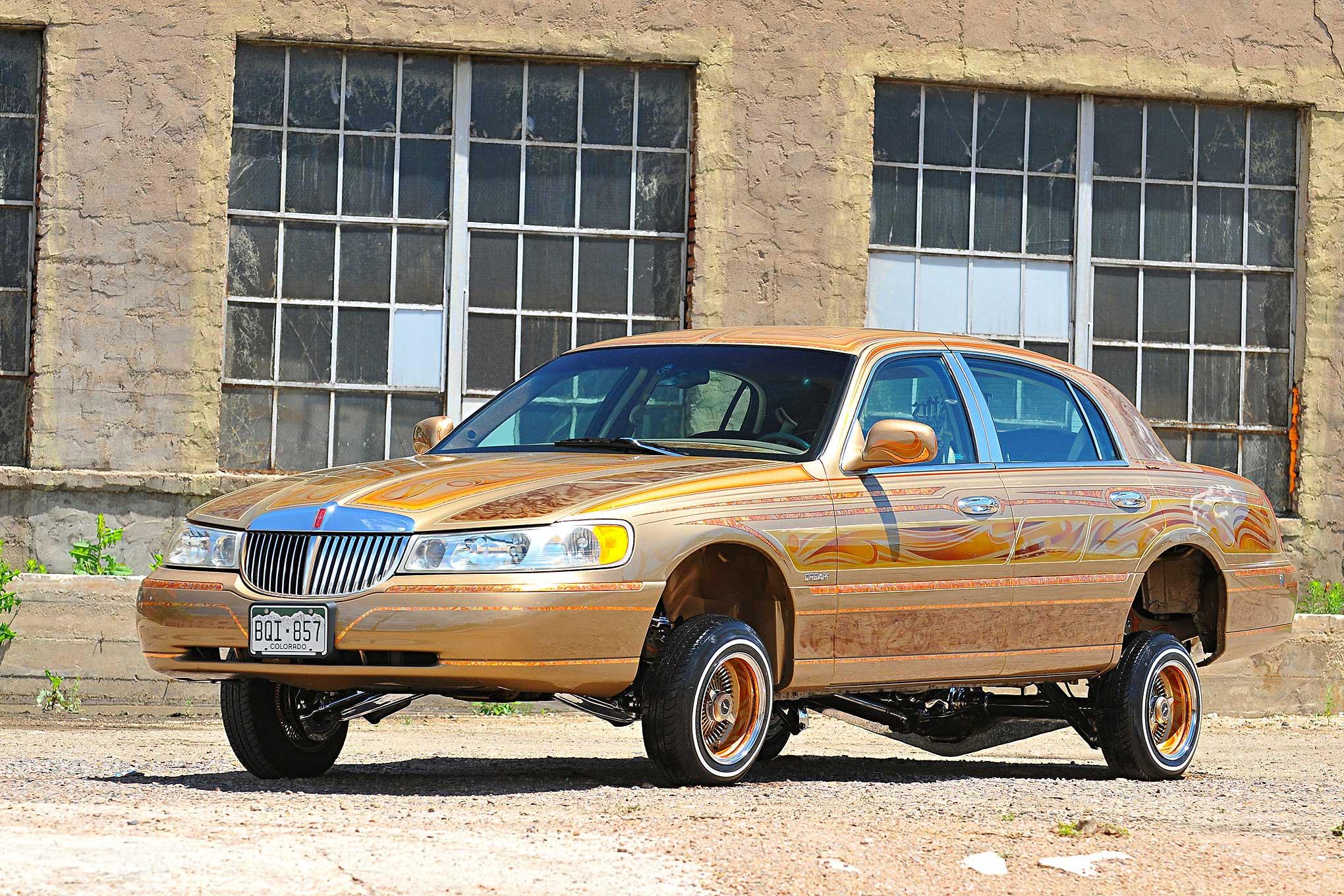 1998 lincoln town car horsepower