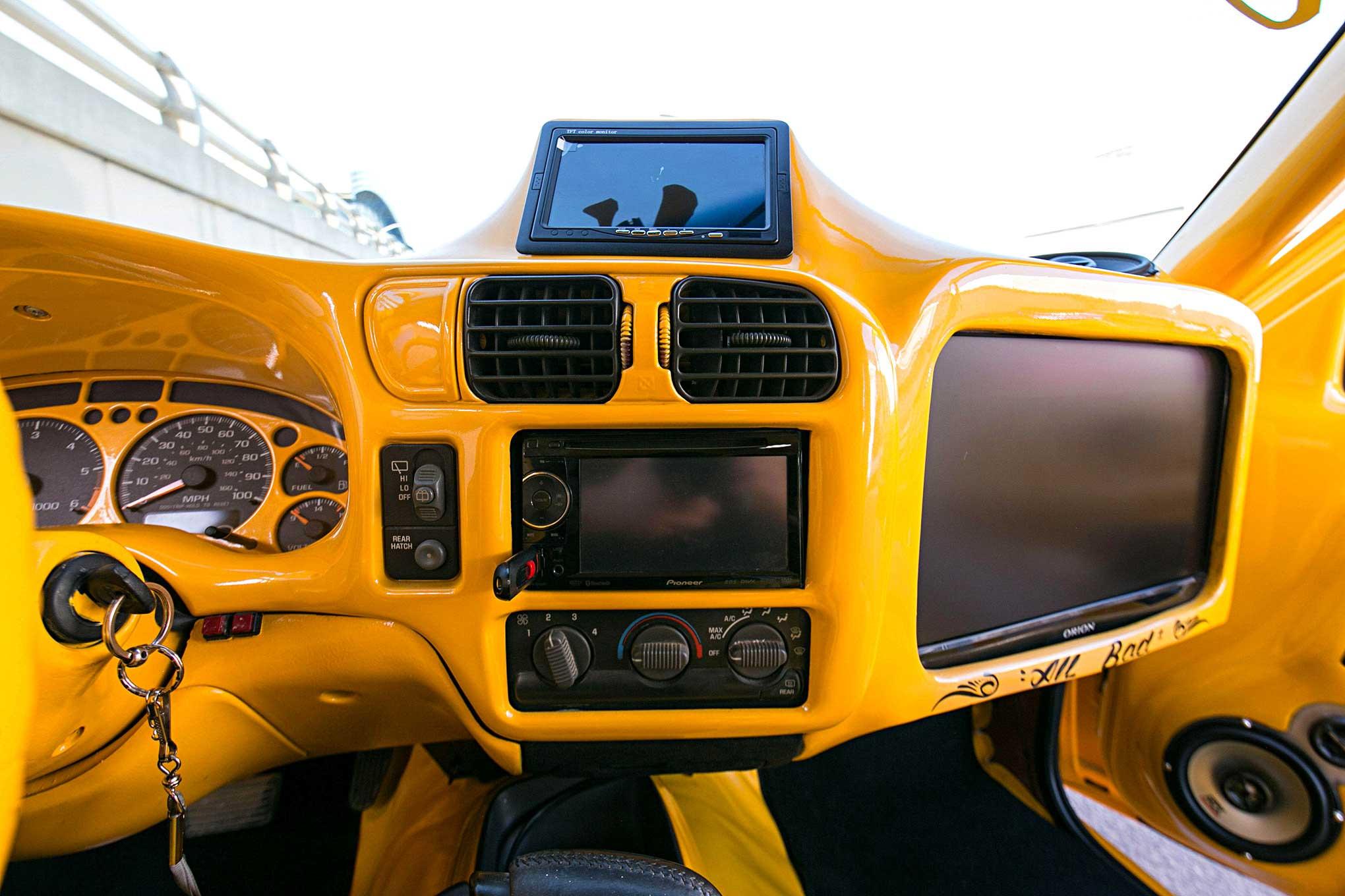 2003 chevrolet blazer xtreme custom dashboard monitor lowrider 2003 chevrolet blazer xtreme custom