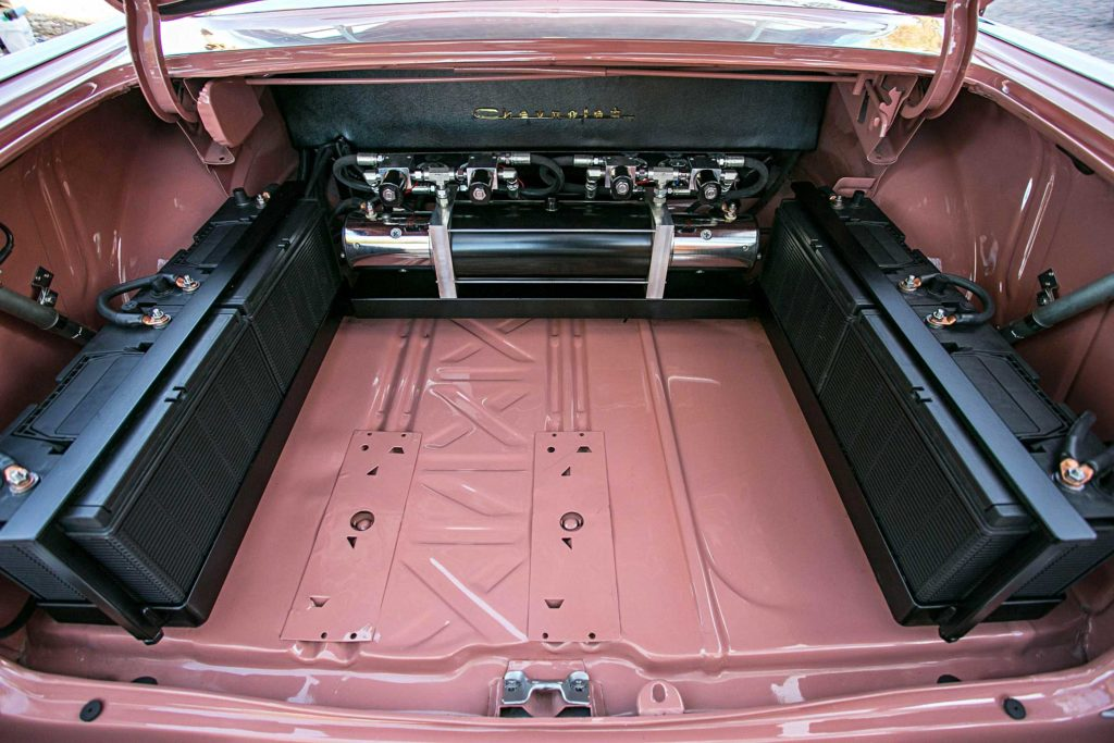 1957 Chevrolet Bel Air Trunk Setup