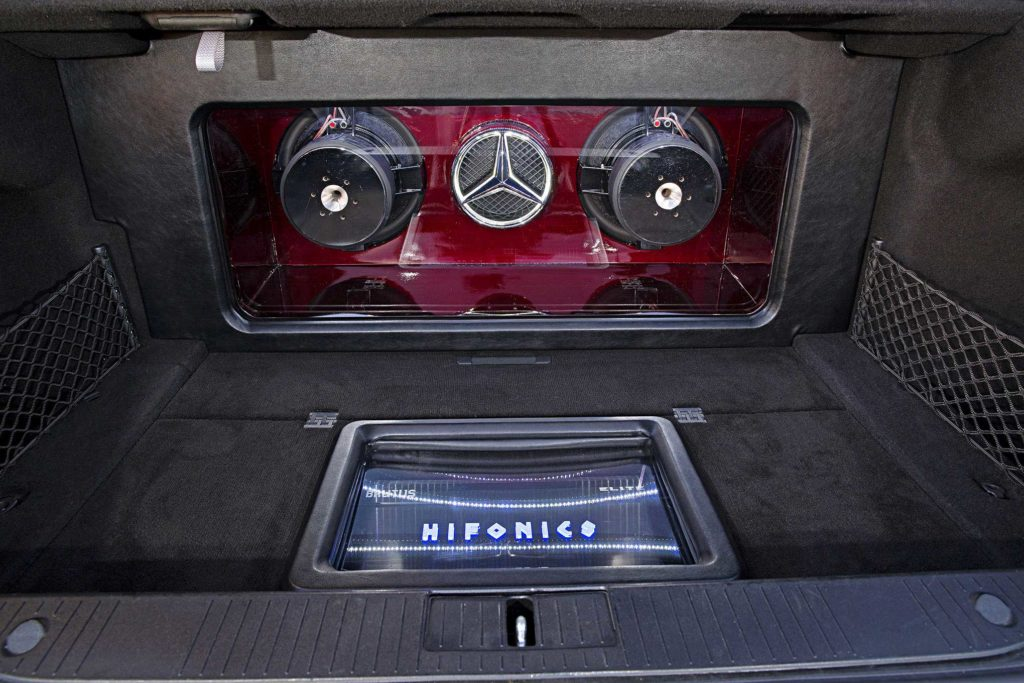 2009 Mercedes S550 hifonics amplifier