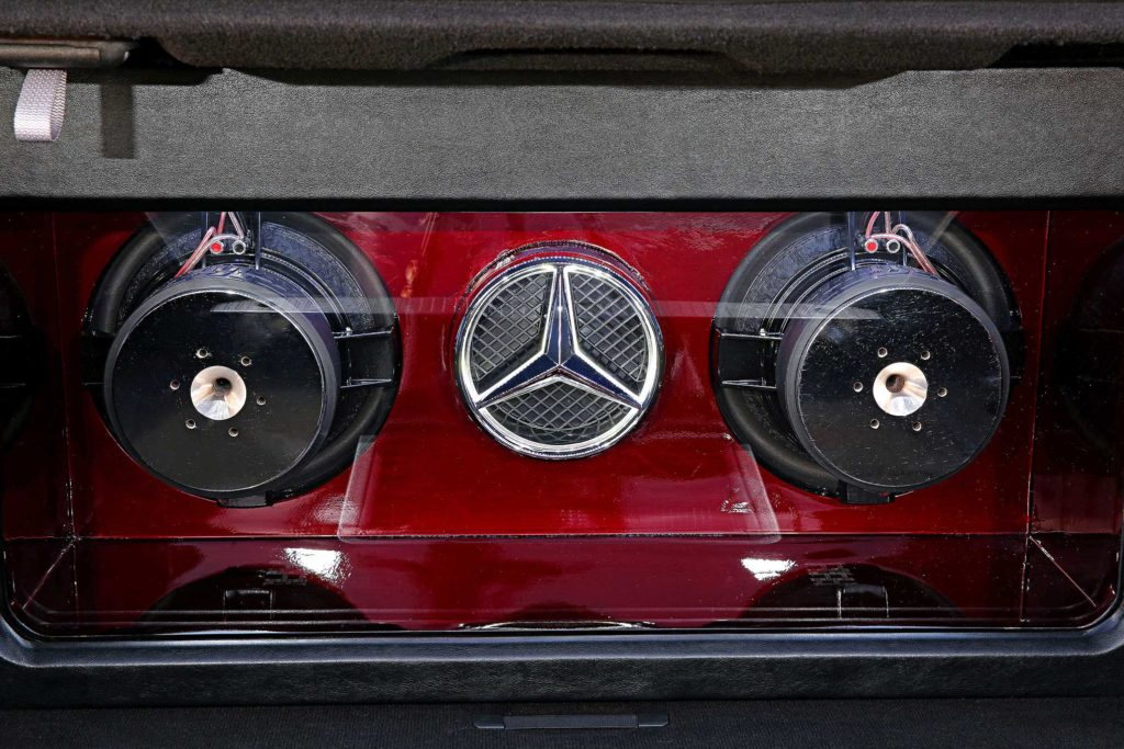 2009 Mercedes S550 sundown audio subwoofers