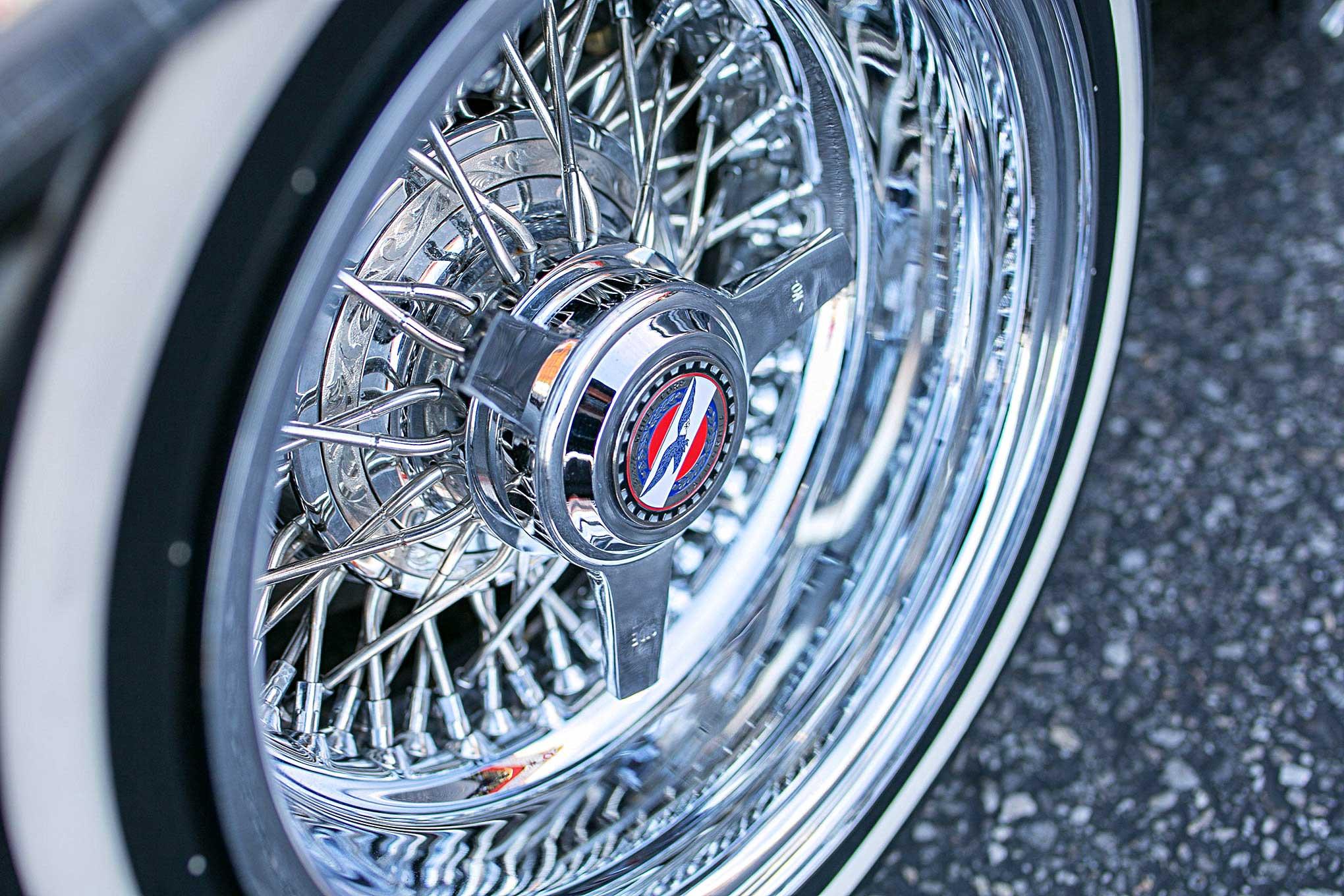 1953 Chevrolet Bel Air Zenith wire wheel three ear knock off - Lowrider