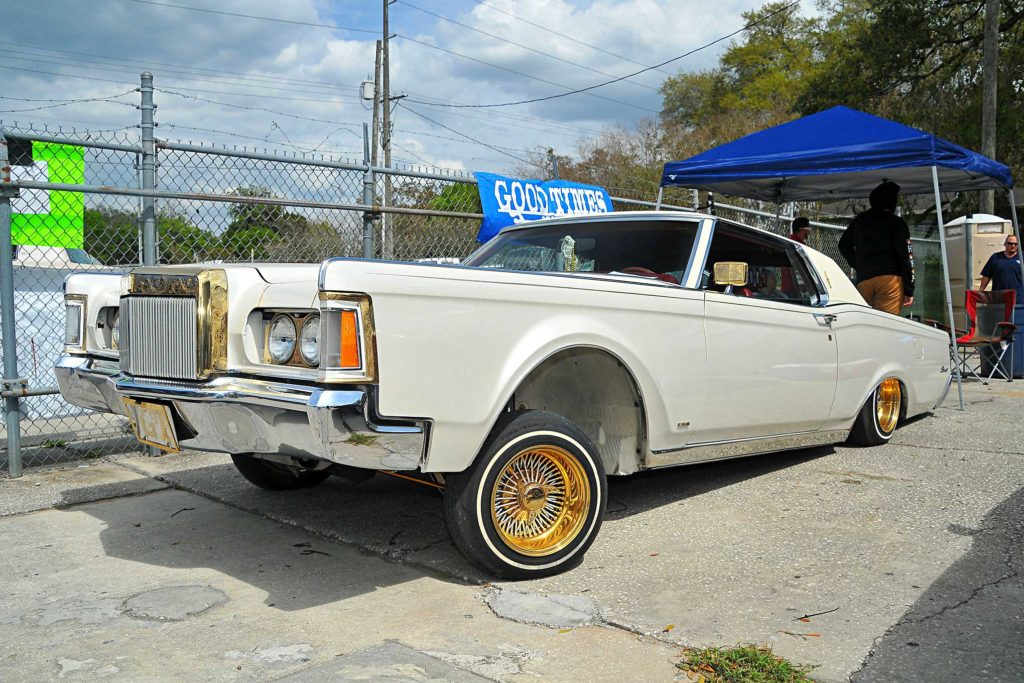 Royal Legacy Lowrider Show 1971 Lincoln Continental