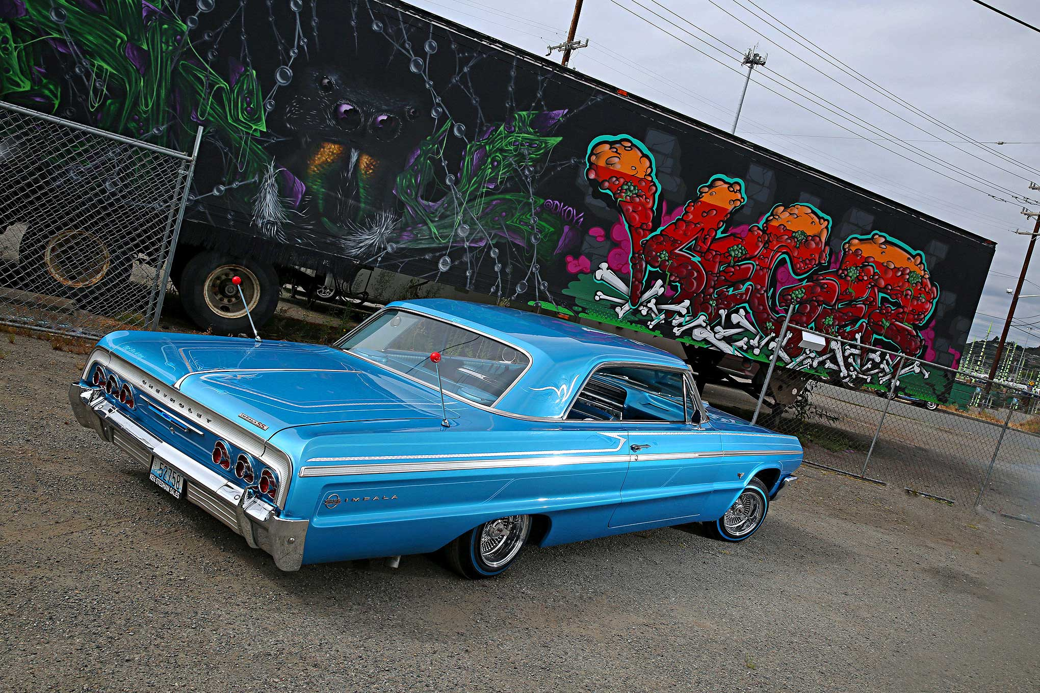 Lowrider next door — photo 3