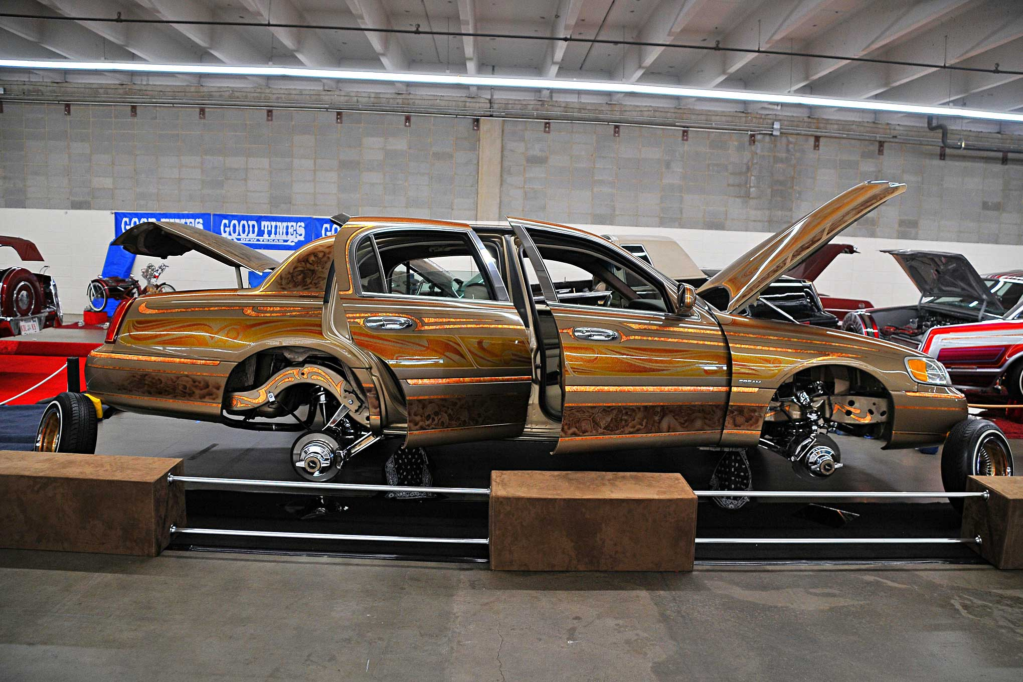 2017 Denver Super Show Gold Lincoln Towncar Lowrider