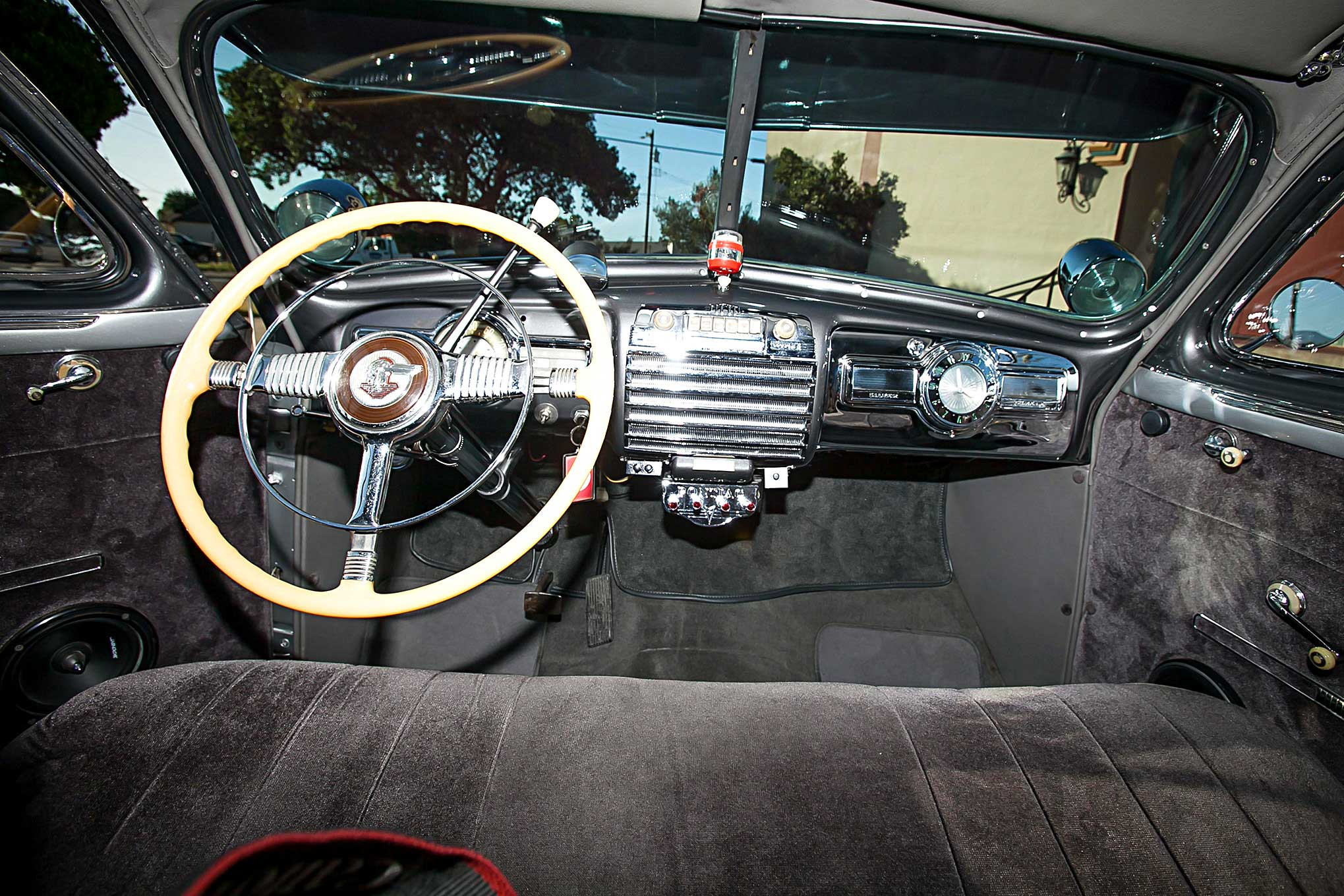 1941 Pontiac Silver Streak Coupe Torpedo Interior Lowrider 2039x1360