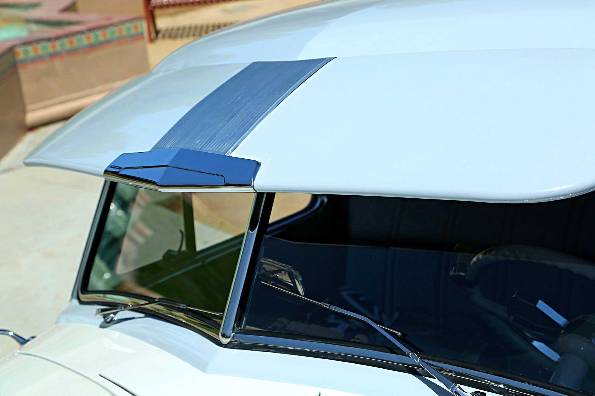 1952 Chevrolet Thriftmaster Sunvisor Lowrider
