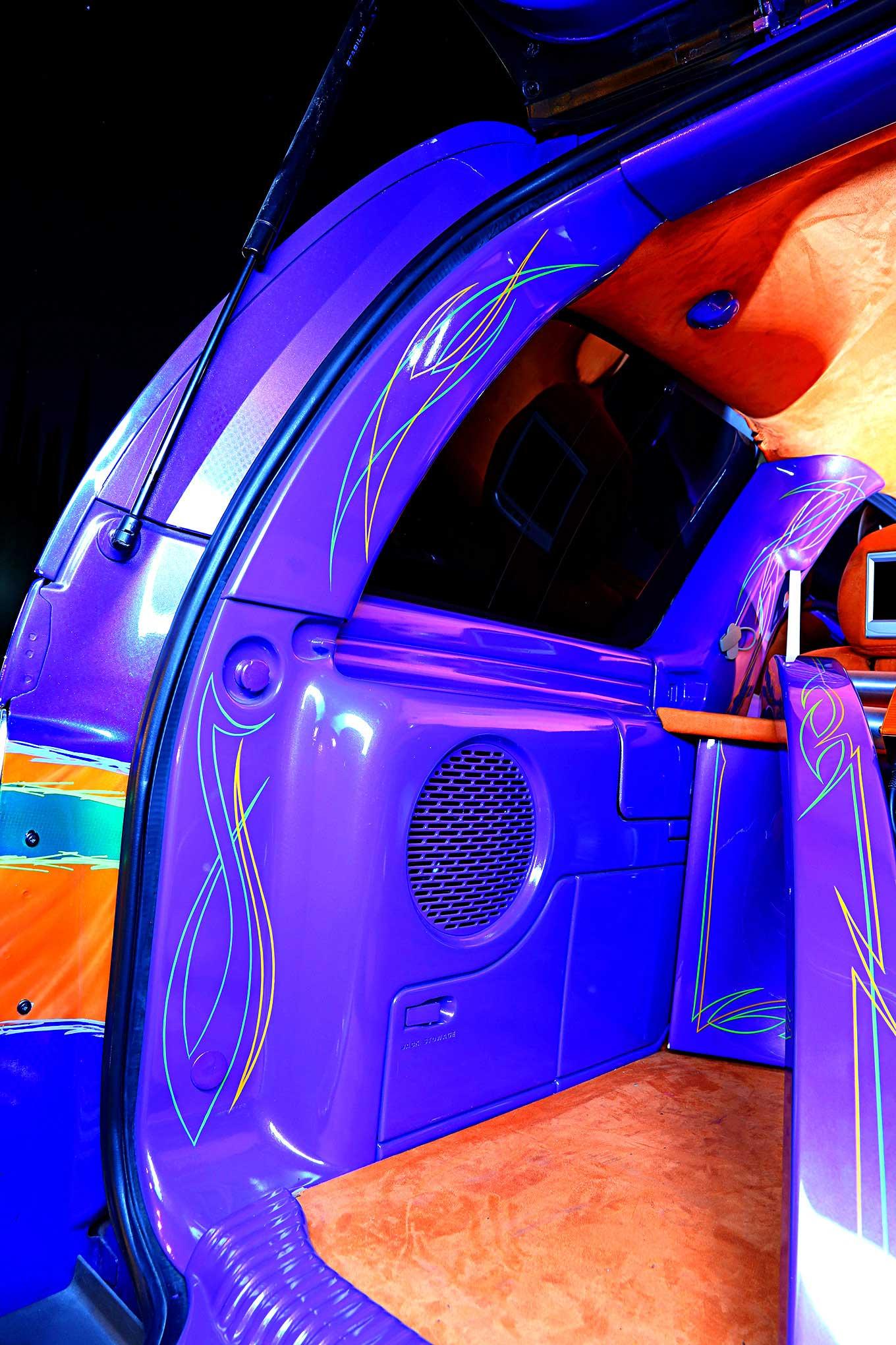2002 cadillac escalade i 39 m leaving it stock for Cadillac escalade custom interior
