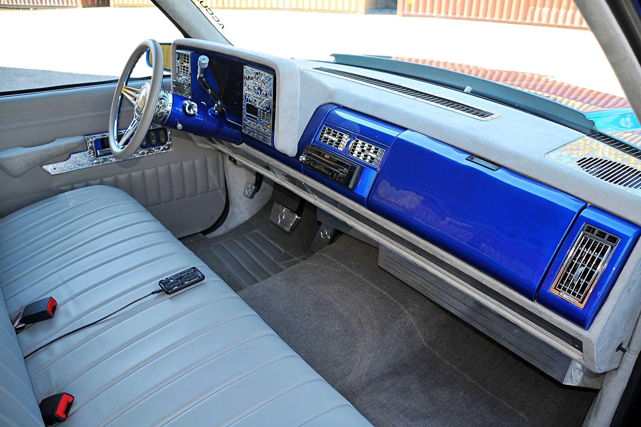 1992 Chevrolet 1500 - Truckin' & Tuckin'