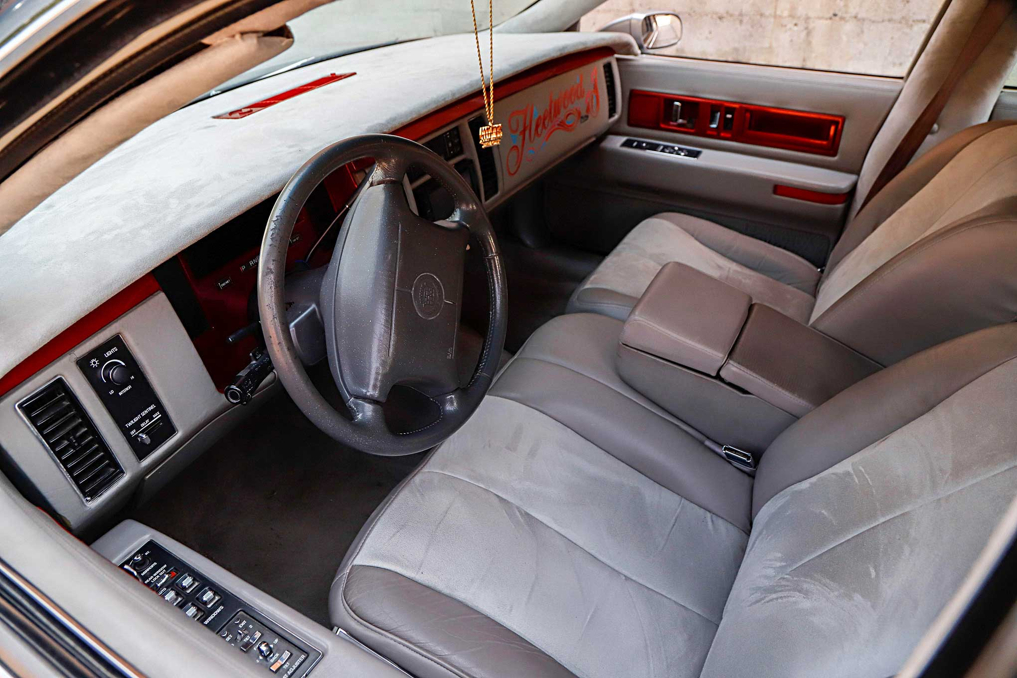 1994 cadillac fleetwood interior
