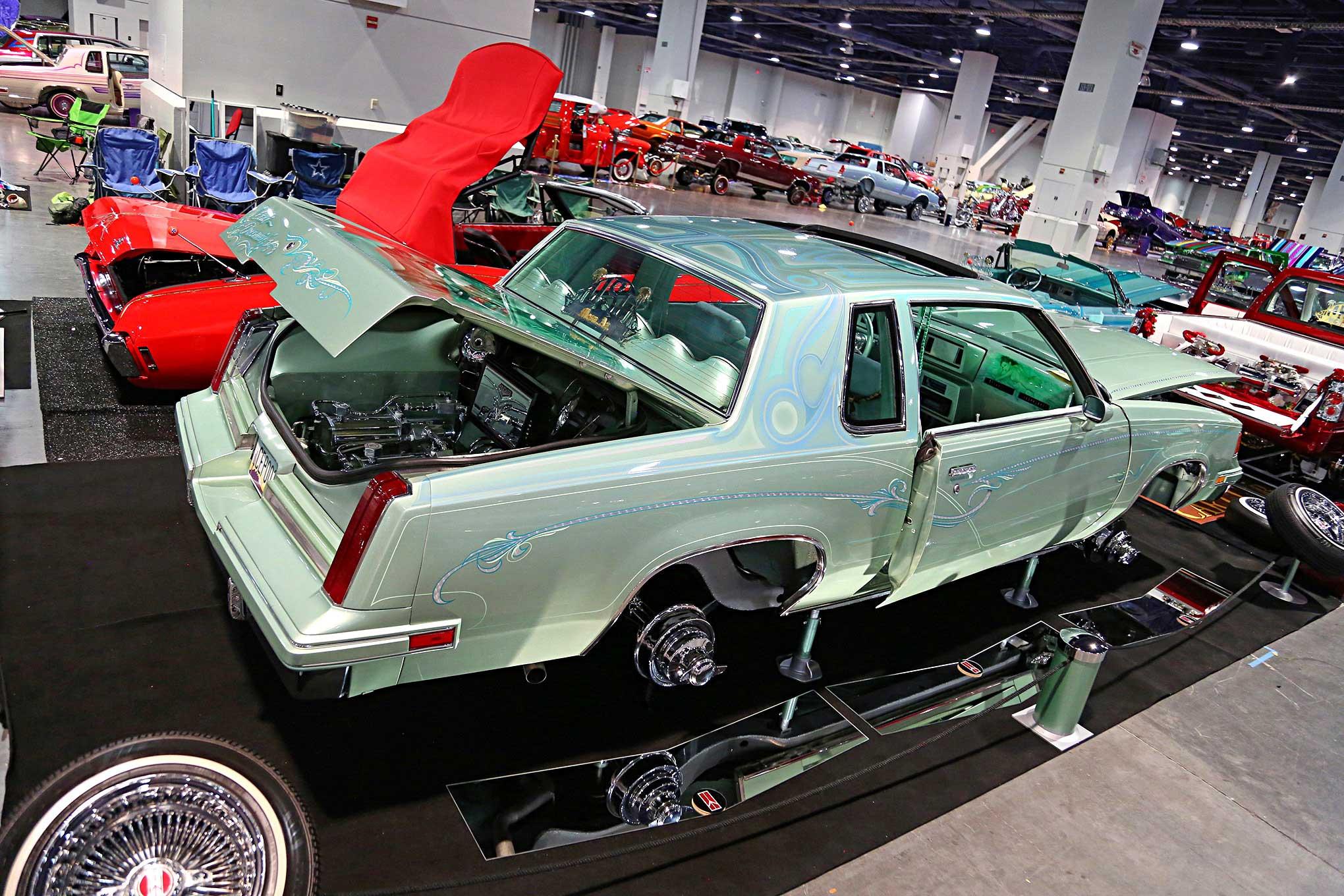 2018 Las Vegas Super Show Oldsmobile Cutlass Supreme - Lowrider